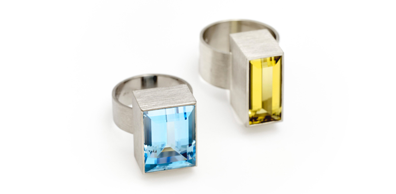 Rings,-Palladium-white-gold,-blue-topaze,-golden-berylcut