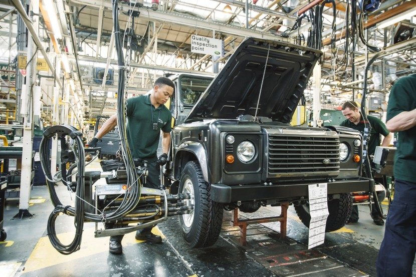 Land Rover Solihull – Verteidiger im Abseits