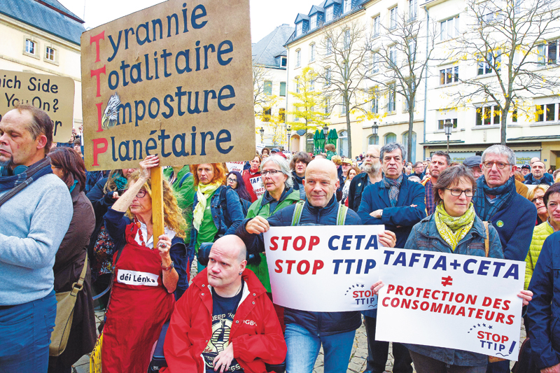 490_0008_14265703_manifestation_anti_TTIP_place_Clairfon