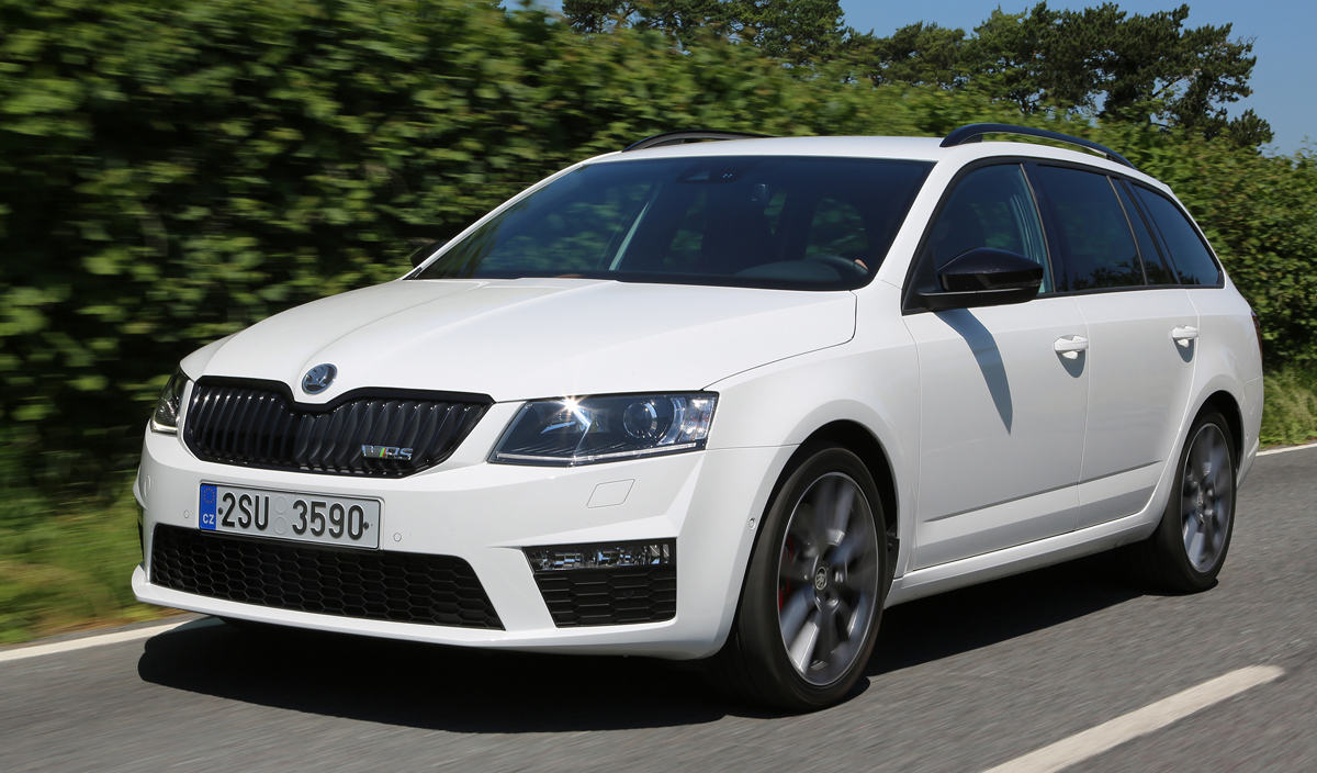 test skoda octavia combi rs 230 back in black revue. Black Bedroom Furniture Sets. Home Design Ideas