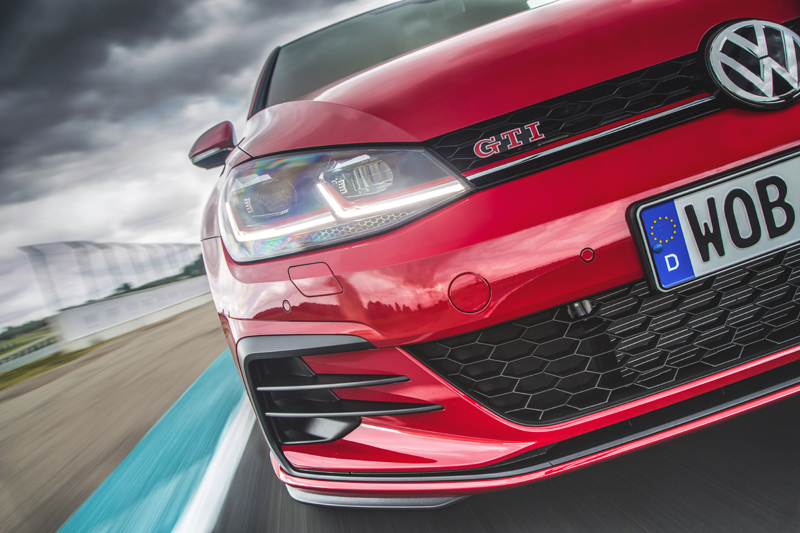 Test: VW e-Golf, Golf GTI Performance, GTE &  R
